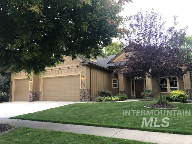 Very nice home in fabulous subdivision with easy access to top-rated schools! Kitchen boasts granite counter tops, tile flooring, large pantry and tons of storage/pullouts. Beautiful main level master suite (with second laundry in walk-in closet). Hardwood floors throughout the living room, den and bedroom. Extra large family room upstairs! NEW interior and exterior paint, carpet, and beautiful hardwoods. Come enjoy Paramount's pools and parks!