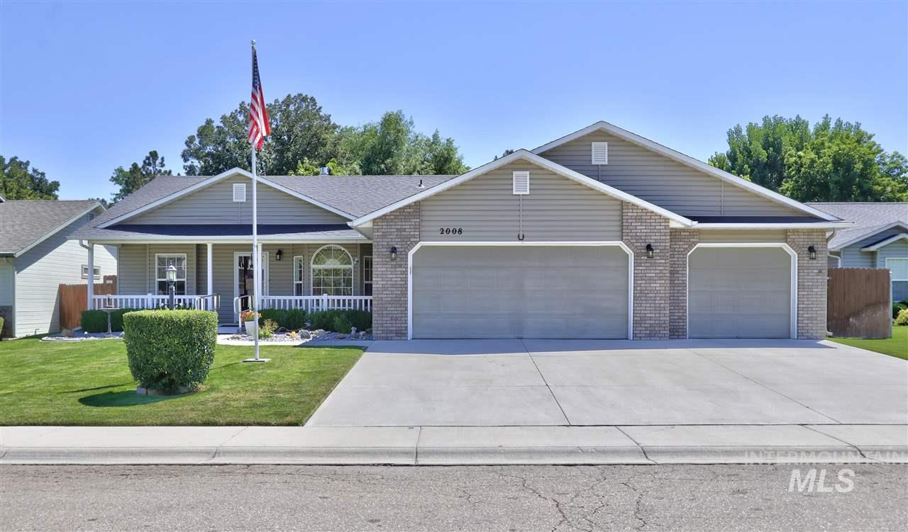 This IMMACULATELY maintained Single-lvl, One Owner home sits on quiet cul-de-sac and has RV Parking Potential behind Double Gate.  Handicap Accessible ramps and railings can be easily removed. Maintenance Free Vinyl Siding,  Upgraded Carpet, Laminate & Vinyl, Granite Slab Countertops in SUNNY Kitchen w/5 burner Gas Range/Oven.  Fully covered 10x40 patio w/East facing Backyard.  See Doc Tab for Amenity Sheet - too much to list! Fully Fenced and Full Auto Sprinklers on Pressurized Irrigation!  Better Hurry...