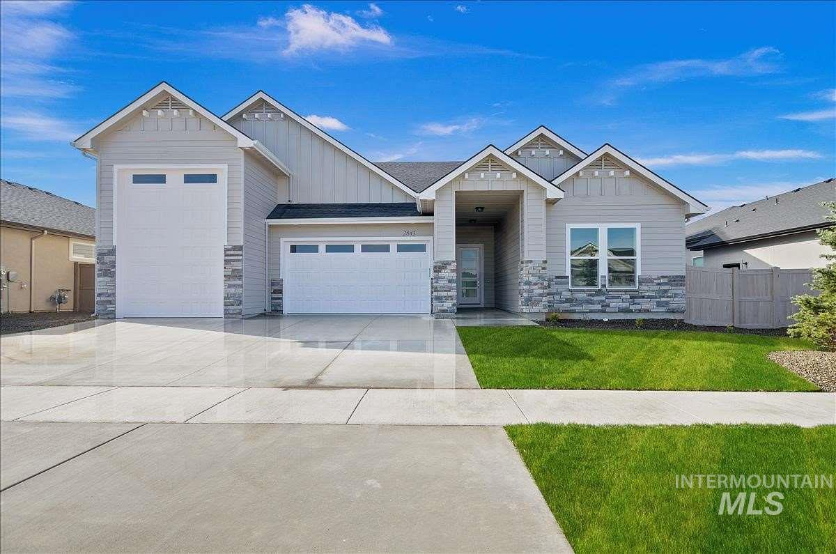 Another beautiful home by Zenith Homes, LLC.  4 large bedrooms, 2 1/2 baths, 32 foot deep RV bay with 13+ foot door, fully insulated garage, walk in shower and large closet in master, gas cook top and built in oven, office, mud room. Photo's and 3D Tour are of previous homes.