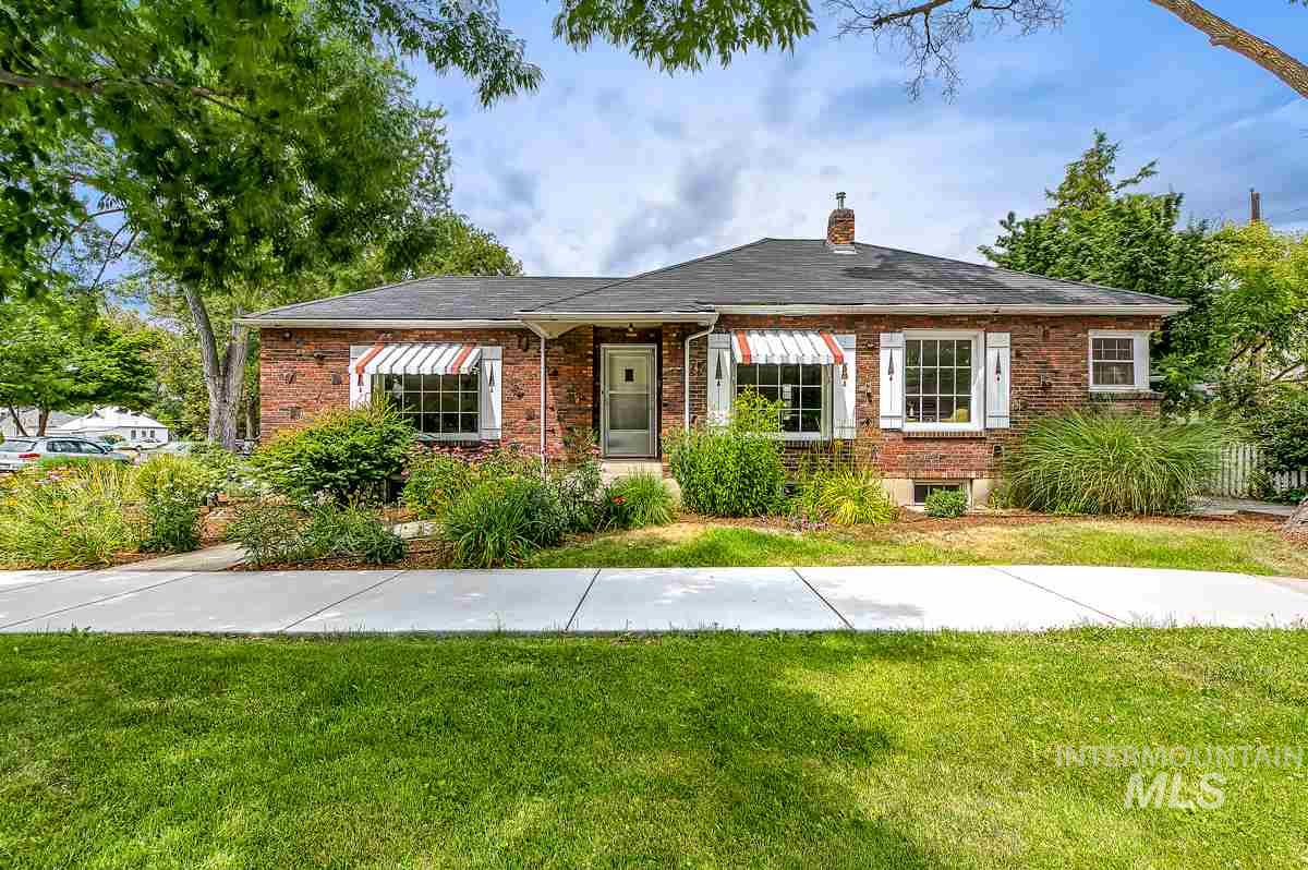 Separate Living Quarters Homes For Sale | Mother-In-Law Quarters