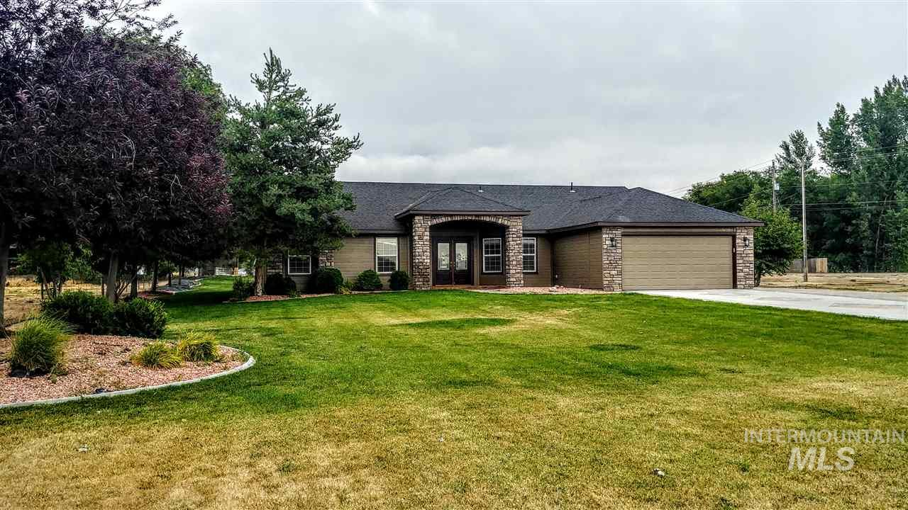 25022 Tumbleweed Road, Middleton, Idaho 83644, 4 Bedrooms, 2 Bathrooms, Residential For Sale, Price $389,000, 98738455
