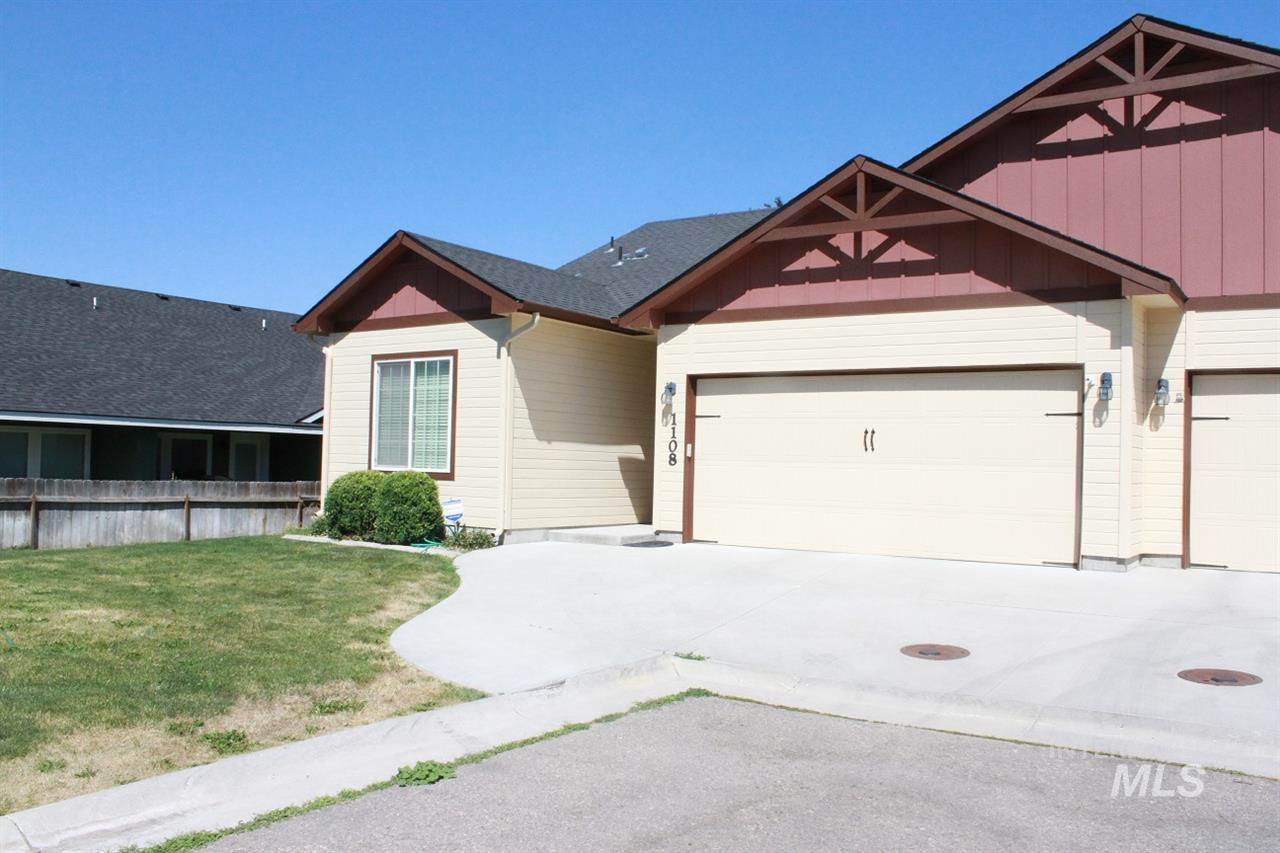 1108 W Dell Ct, Nampa, Idaho 83651, 2 Bedrooms, 2 Bathrooms, Residential For Sale, Price $182,500, 98738466