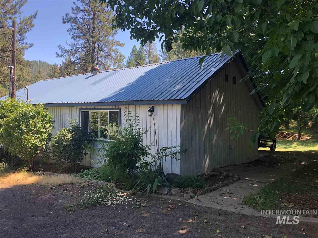 12457 Jerome Ave, Orofino, Idaho 83544, 3 Bedrooms, Residential For Sale, Price $145,000, 98738467