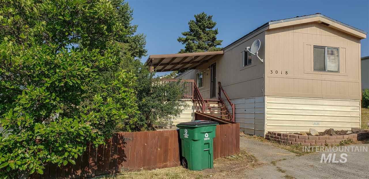 609 N Almon, Moscow, Idaho 83843, 3 Bedrooms, 2 Bathrooms, Residential For Sale, Price $22,000, 98739939