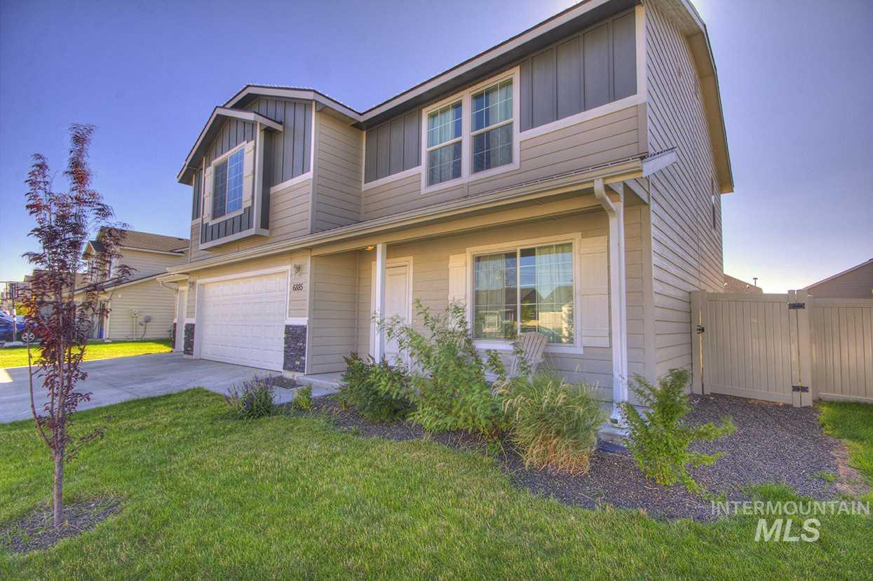 6885 S DONAWAY, Meridian, Idaho 83642, 3 Bedrooms, 2.5 Bathrooms, Residential For Sale, Price $319,900, 98740926