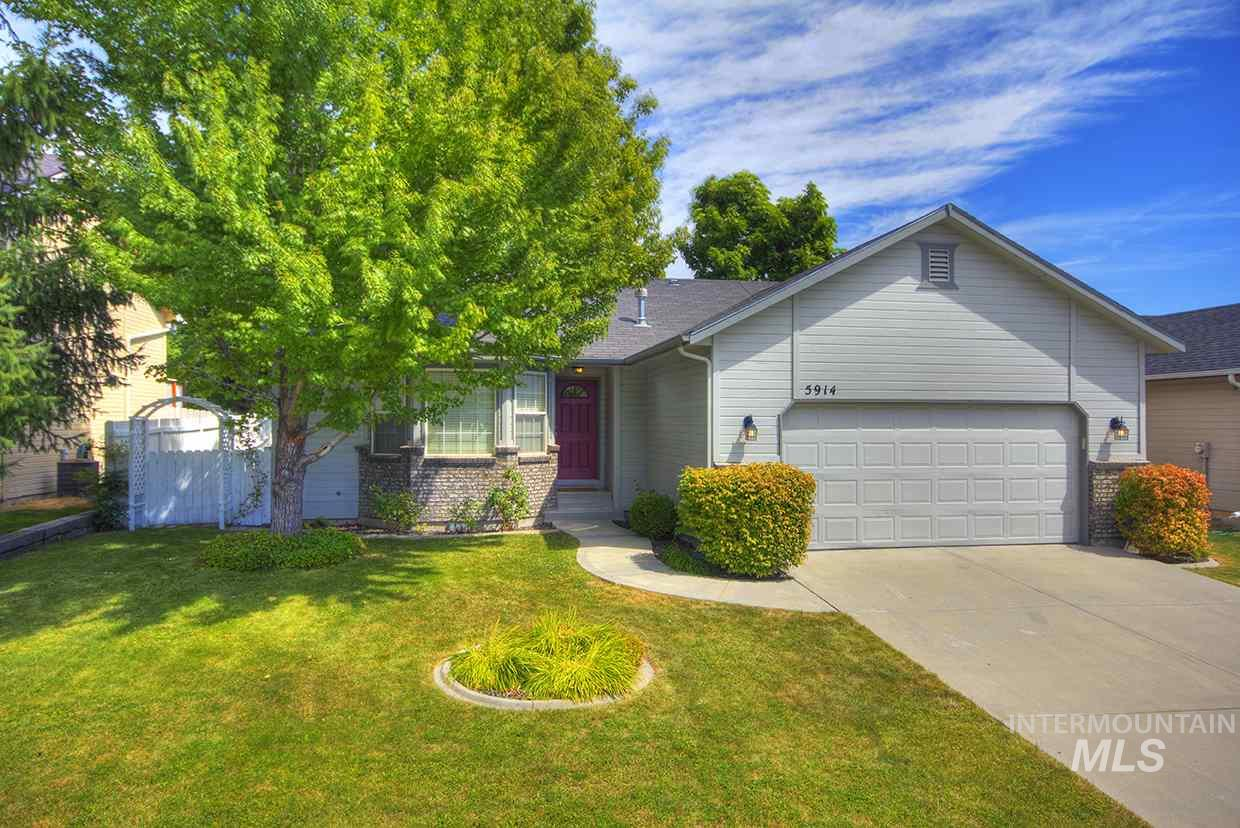 5914 S Sweet Gum Way, Boise, Idaho 83716, 3 Bedrooms, 2 Bathrooms, Residential For Sale, Price $304,900, 98741243