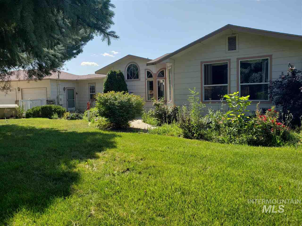 8201 Foothill Rd, Middleton, ID 83644