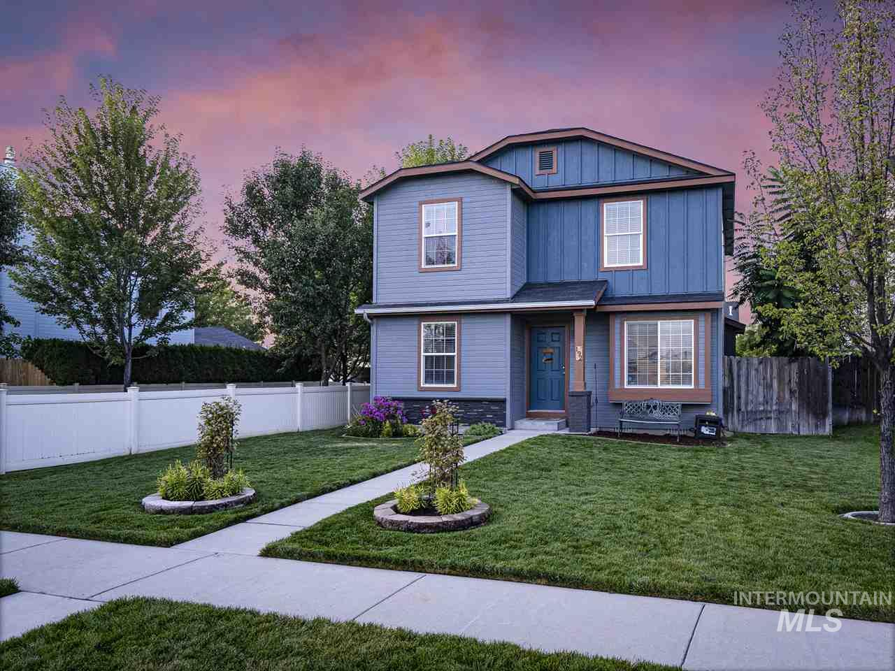 This beautiful home in Meridian will not last long. This home has been meticulously maintained both inside and out. The large kitchen and open feel will be great for clients that want to entertain. All appliances are negotiable.
