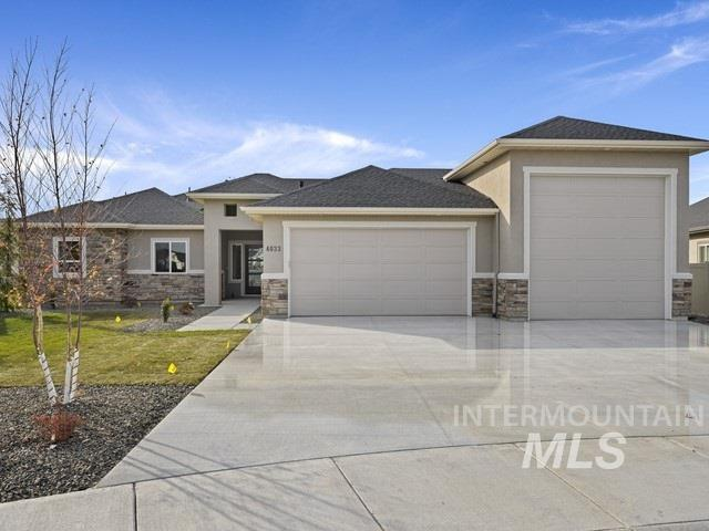 The Sicily by Amyx Homes, 3 bedroom 2.5 bathroom plus office. 2280 sqft. Single level, This open floorpan boasts A beautiful master suite, walk in tile shower, bathroom and closet, spacious great room and large eating nook. Rock surrounds the fireplace and mantle. The kitchen includes custom cabinets, SS Bosch appliances including a 5 burner chefs cooktop and large pantry. Granite and tile through out. Make sure to check out the huge covered back patio and Boat/RV bay w 12x12 garage door!
