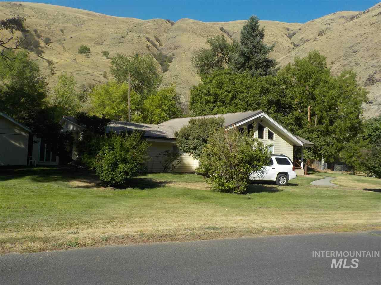 691 Old Pollock Road, Riggins, ID 83549