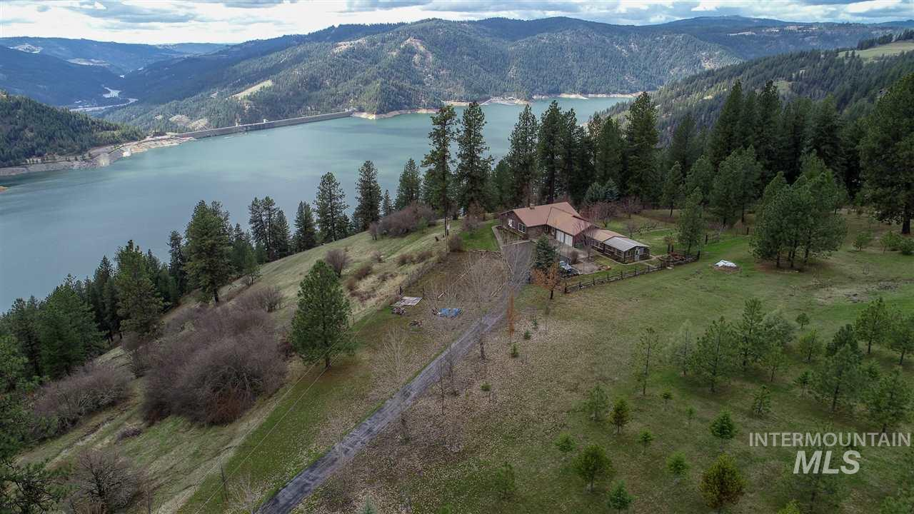 2971 Lakeview Road, Orofino, ID 83544