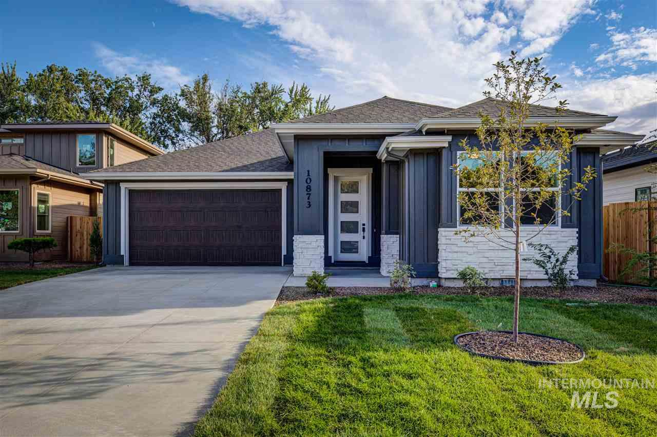 Very rare opportunity!! 9 New homes in the well known Hickories subdivision in West Boise. The Aspen by North Star homes is a must see with 3 bed 2.5 bath, covered patio, and master on the main. This home will definitely impress with the T&G ceilings, high end SS appliances, quartz countertops. This floor plan is designed to accommodate any buyer!!!