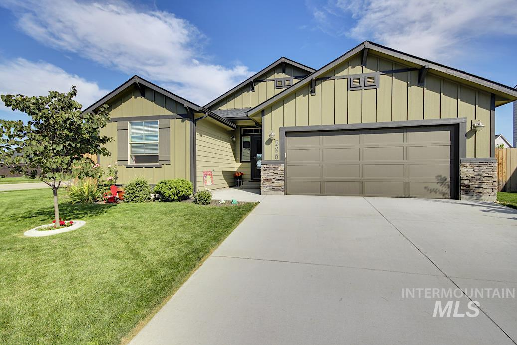 NEWER HOME built in 2016! Entry that opens to an extra wide hallway, split bedroom design & the GREAT ROOM style kitchen/living room take center stage with plenty of space, windows and light! Escape to the master bedroom & bath with no rear neighbors, views of Bogus Basin, double vanity & extra large closet!  Close to parks, schools and shopping in desireable Ventana Subdivision in North Meridian, complete with community clubhouse and pool.PRICE Includes all appliances!! B&BATVA!