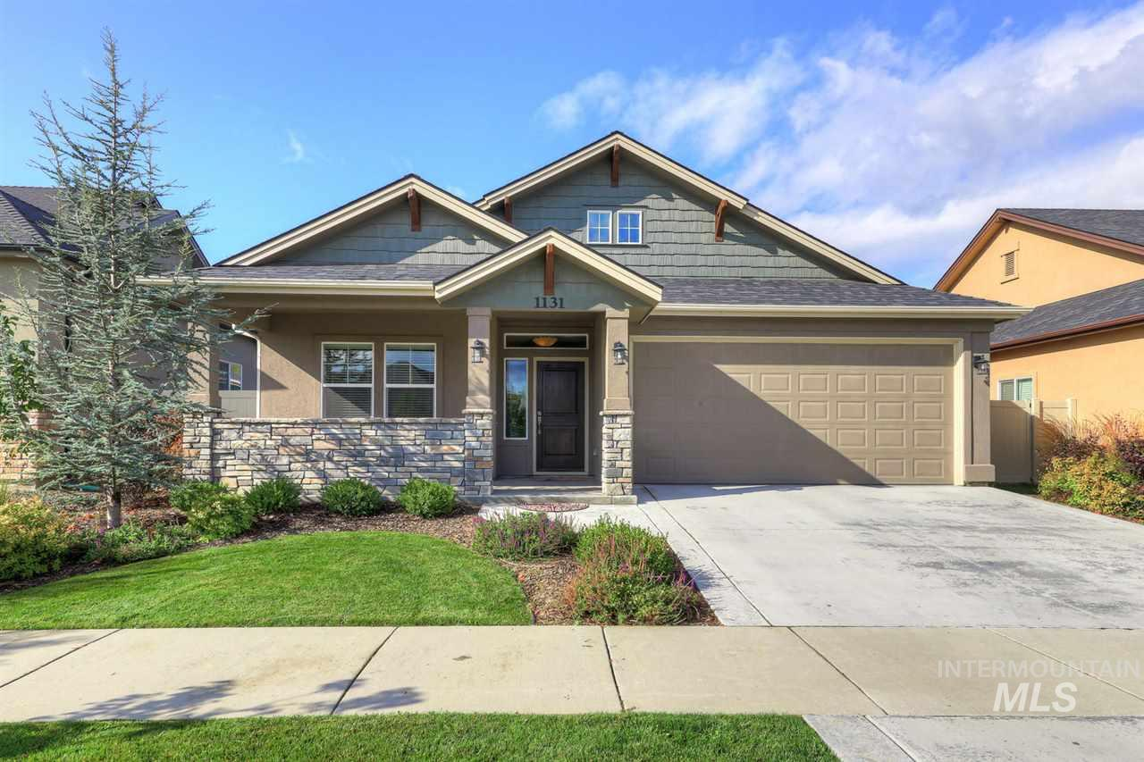 Don't miss this one! Clean, Low Maintenance, 3bed 2bath, single level, in one of Meridian's best subdivisions. Quartz, Custom Fireplace, Double Ovens, Awesome Master Suite, Floor to Ceiling Windows, High Efficiency Furnace Private Backyard, Covered Patio and Community Pool/Clubhouse.  Home is for sell fully furnished with all household items.