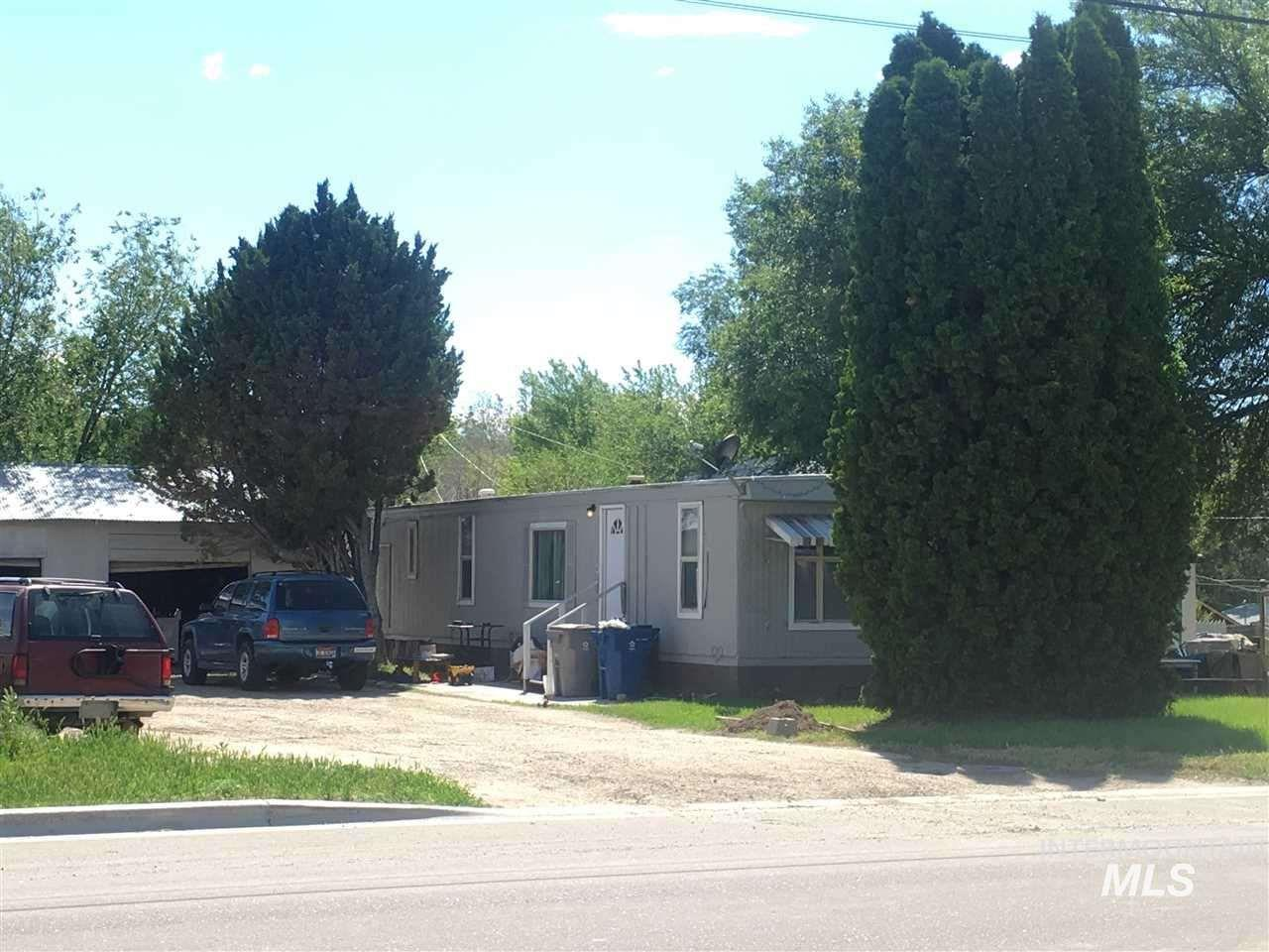 151 6th St N #1/#2, Nampa, Idaho 83687, 3 Bedrooms, 2 Bathrooms, Residential Income For Sale, Price $199,000, 98746957
