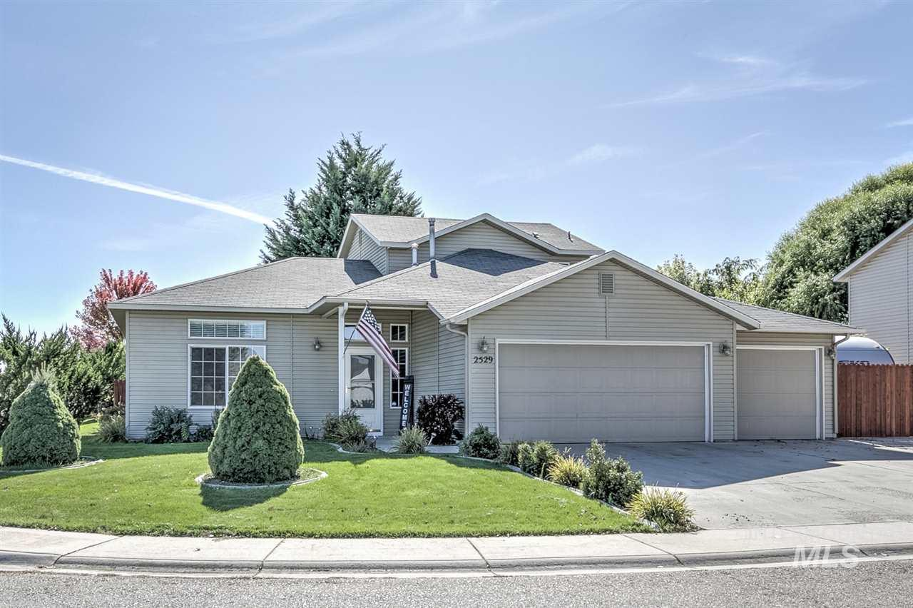 2529 E MARYLAND, Nampa, Idaho 83686, 3 Bedrooms, 2 Bathrooms, Residential For Sale, Price $264,990, 98746964