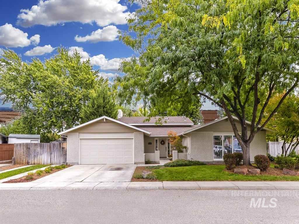 5322 Armstrong, Boise, Idaho 83704, 4 Bedrooms, 3 Bathrooms, Residential For Sale, Price $314,990, 98747064