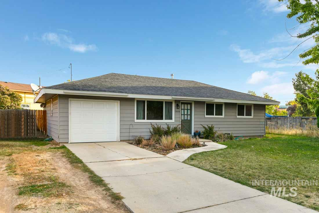 1804 S Penninger Cir, Boise, Idaho 83709, 3 Bedrooms, 1 Bathroom, Residential For Sale, Price $219,000, 98747500