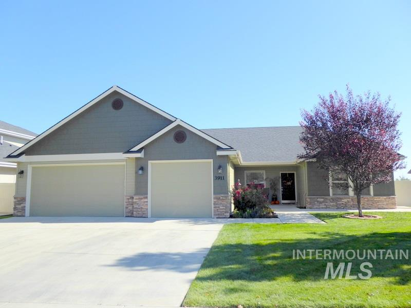 3911 Kingston Ave, Caldwell, Idaho 83605, 4 Bedrooms, 3 Bathrooms, Residential For Sale, Price $339,911, 98747511
