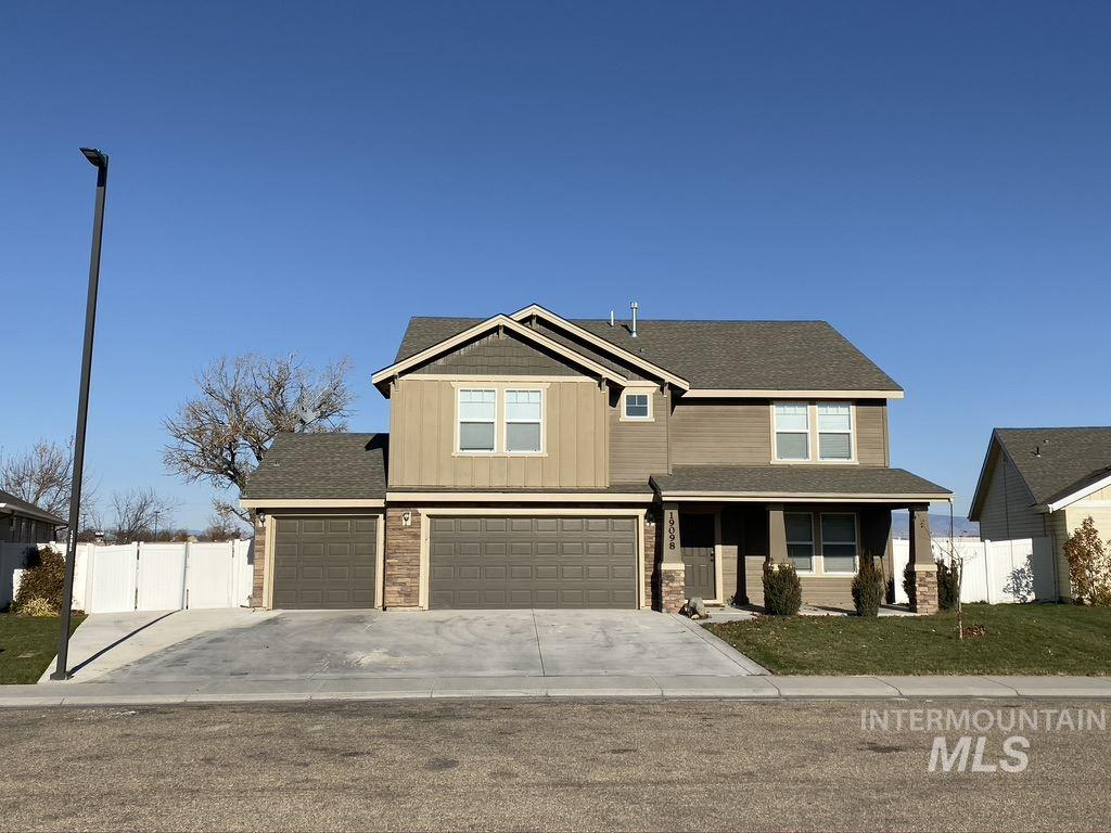 19098 Kenney Way, Caldwell, Idaho 83605, 3 Bedrooms, 2 Bathrooms, Residential For Sale, Price $309,000, 98749010