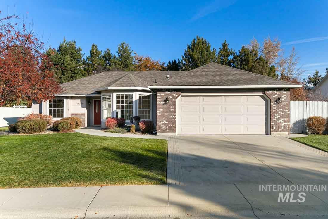 This is such a great house on a quarter acre lot in Eagle! So much is new -- new carpet, new interior paint, & new stainless steel dishwasher, gas range, and microwave. HVAC was new in 2017 & the water heater was new in 2018. The kitchen, bathrooms, & laundry room have beautiful quartz counter tops, & both the front and backyard boast lovely mature landscaping. A 13 month home warranty will be included with full price offer. This beautiful house is excited to welcome its new owner, so go see it today!