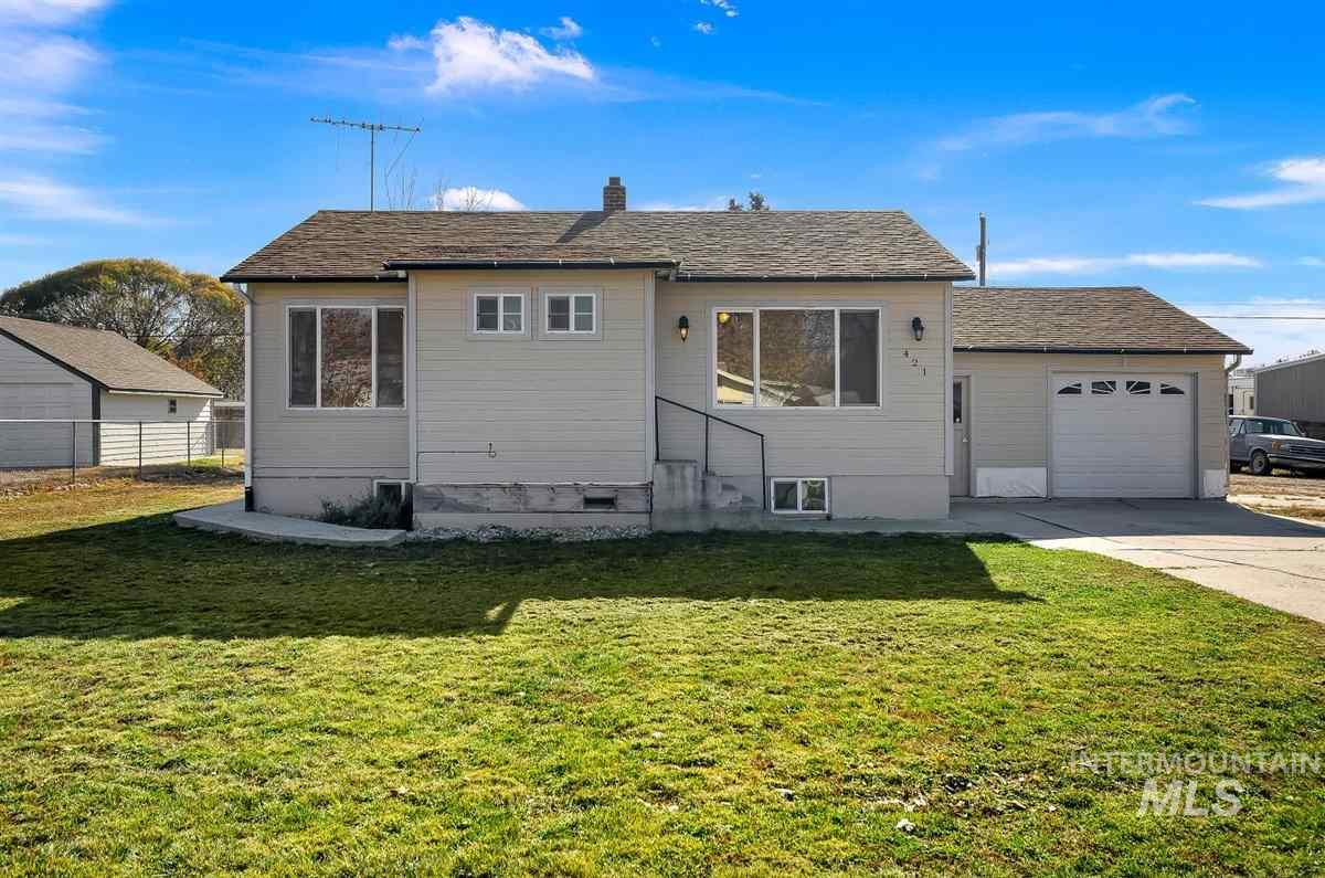 Check out this 4 bedroom 2 bath home with a bonus room in Caldwell. Just a few blocks away from College of Idaho and the Indian Creek Plaza. New furnace and windows within the last 5 years. New AC installed 2 years ago. All new plumbing throughout the home within the last 4 years. Plenty of room for RV Parking. This home would make a great investment or first time home! Rare find for a 1700 sq ft home under 200k!