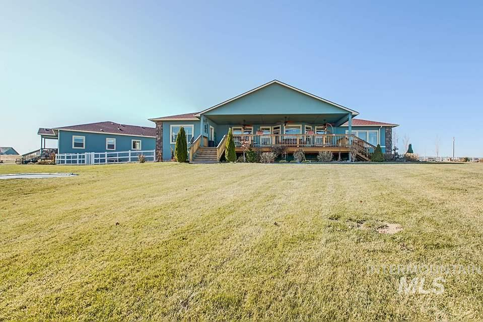 3942 Vista Ridge Ln, New Plymouth, Idaho 83655, 3 Bedrooms, 3 Bathrooms, Residential For Sale, Price $699,000, 98750128