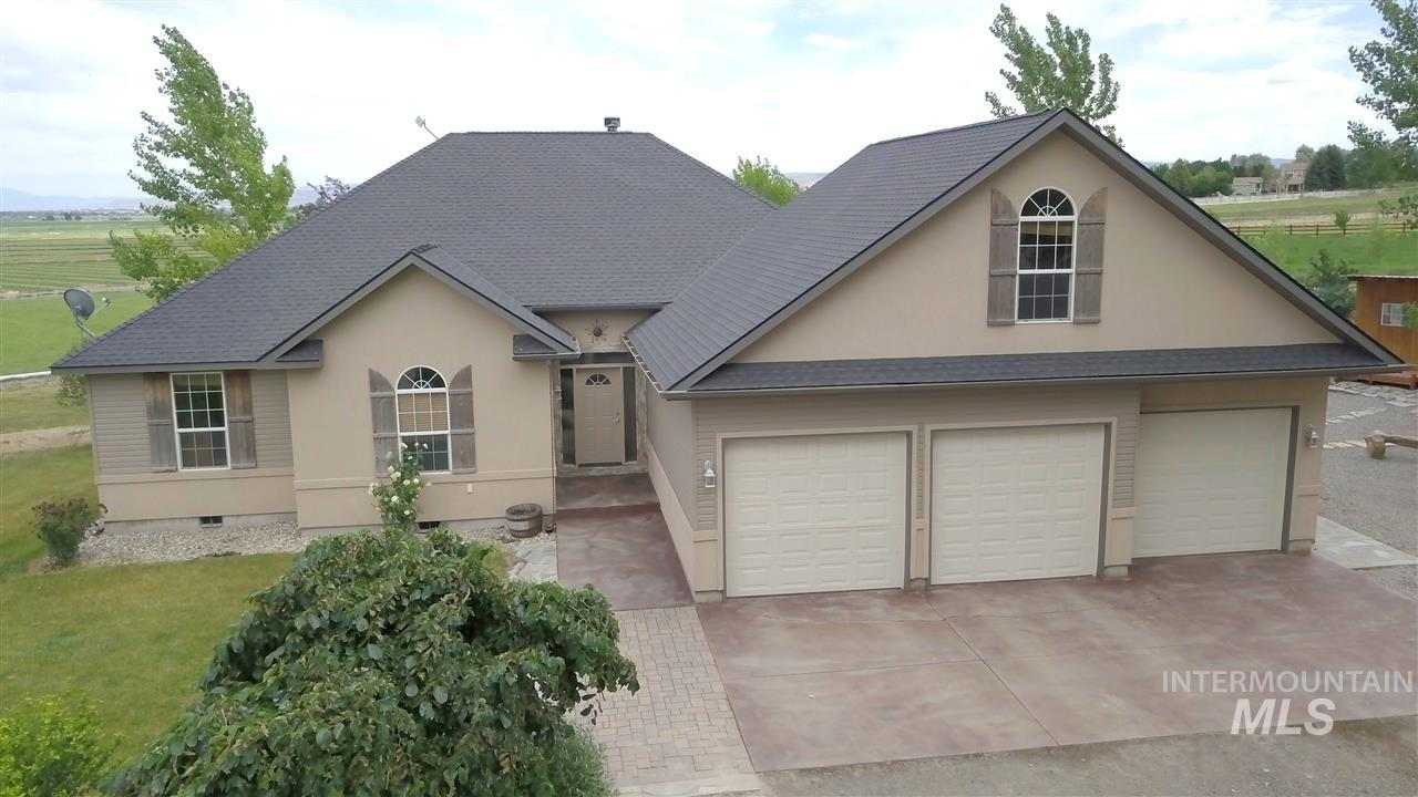 3298 N 3137 E, Twin Falls, Idaho 83301, 4 Bedrooms, 3 Bathrooms, Residential For Sale, Price $489,900, 98755083