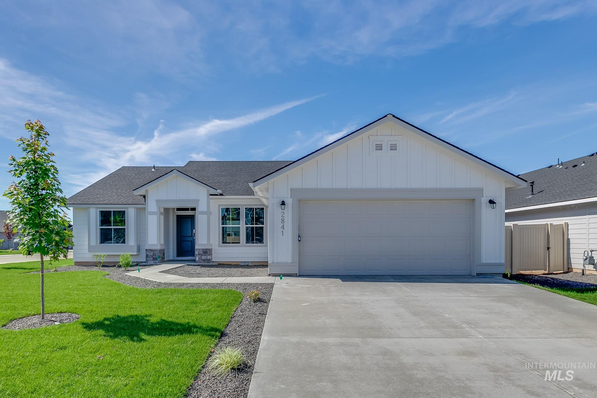 Want to tour this home NOW? Get on-demand access with TOUR NOW. Simply visit the home, follow the directions to access, and tour instantly. Get $15k with our Buy Now, Get More Promo NOW thru 7/31. Enjoy the benefits of a single-level, split-bedroom floor plan in the Kincaid 1600. With a large living room with airy 9' ceilings, breakfast nook, and functional kitchen this home has it all! Price includes dual vanity, upgraded cabinets, engineered vinyl plank flooring, and more. RCE-923.
