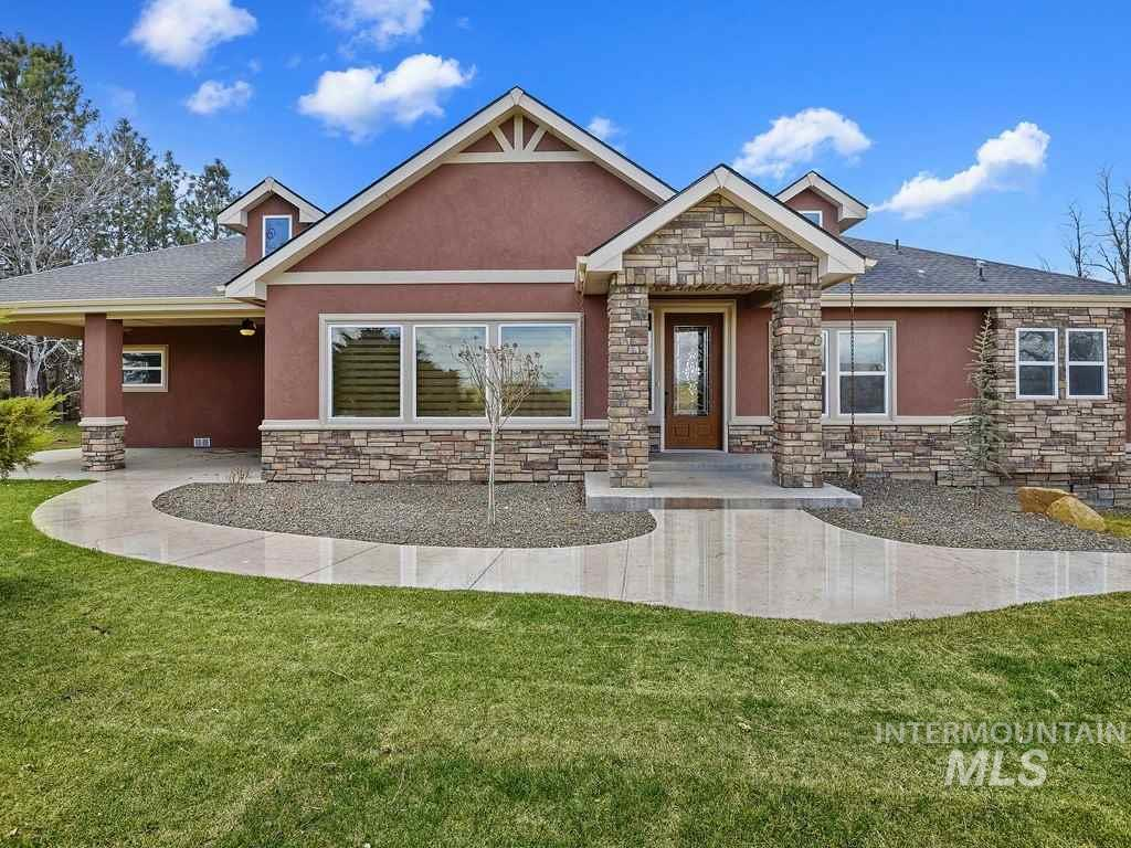 2415 Sand Hollow Rd, Caldwell, Idaho 83607, 4 Bedrooms, 2.5 Bathrooms, Residential For Sale, Price $699,900, 98761991