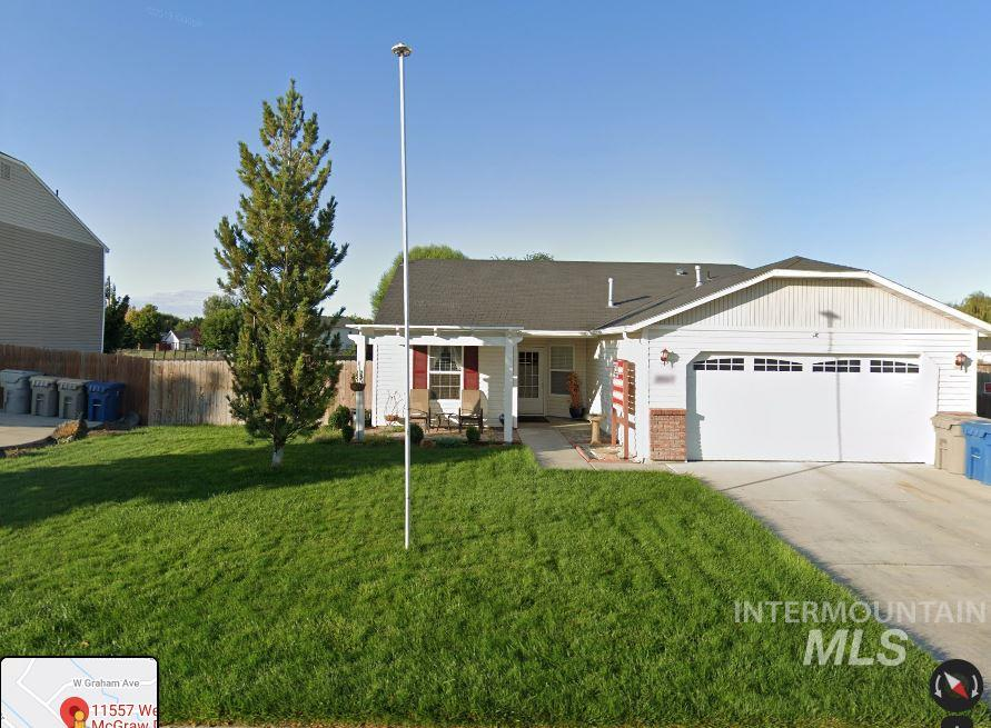 3 bedroom 2 bath. Large lot includes RV parking. Fully fenced, backs up to an open area.