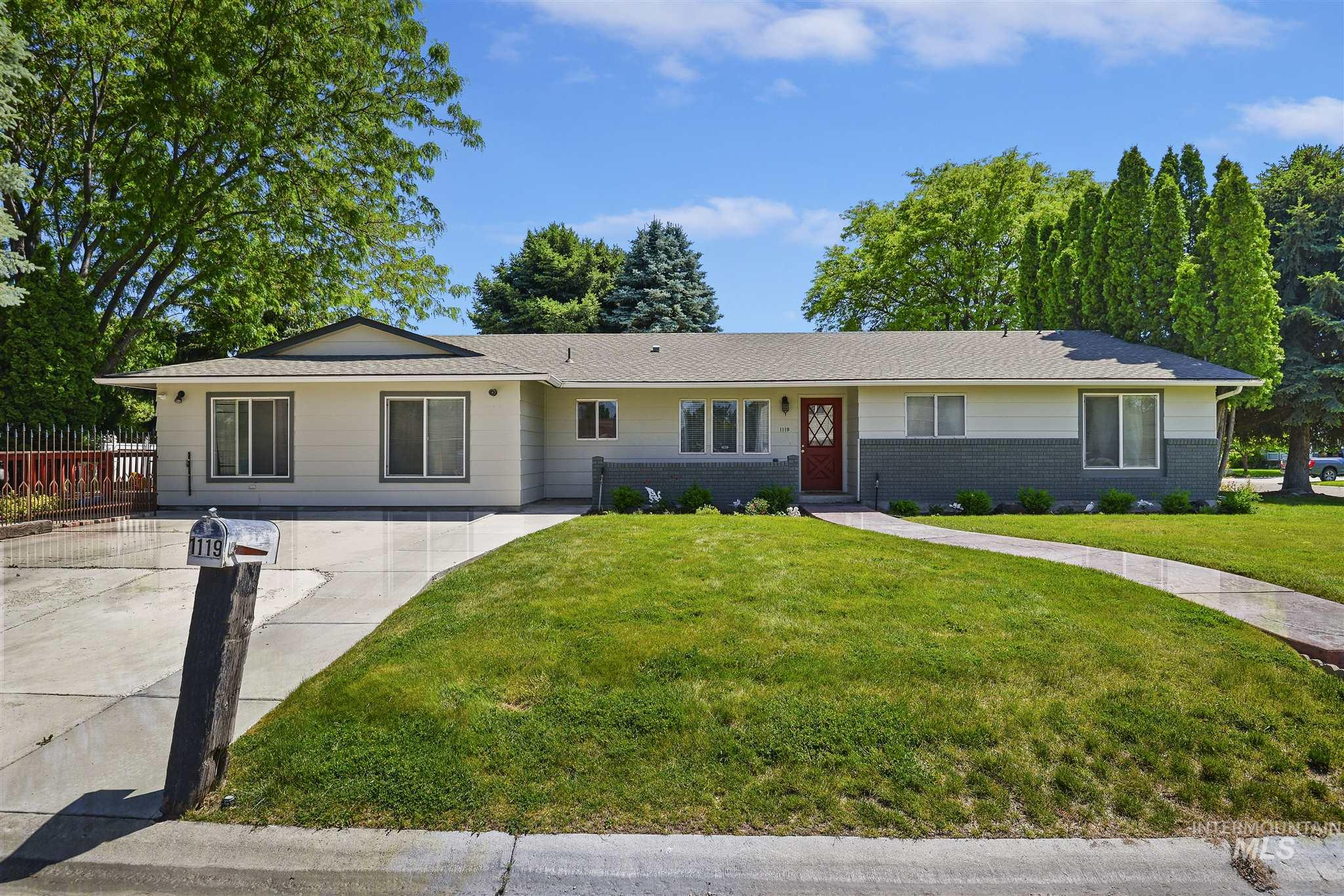 1119 W Hudson Ave., Nampa, Idaho 83651, 6 Bedrooms, 3 Bathrooms, Residential For Sale, Price $272,600, 98768742