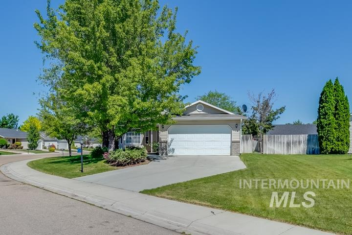 3311 Coachman Court, Nampa, Idaho 83686, 3 Bedrooms, 2 Bathrooms, Residential For Sale, Price $243,000, 98769406