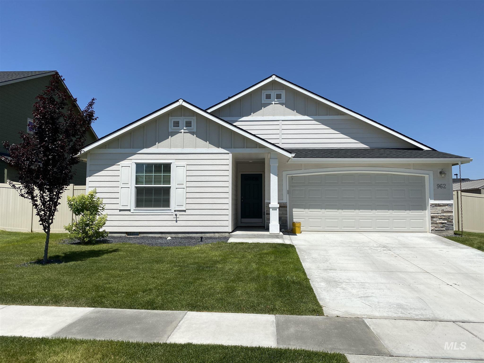 962 E Rose Island, Nampa, Idaho 83686, 3 Bedrooms, 2 Bathrooms, Residential For Sale, Price $264,900, 98772762