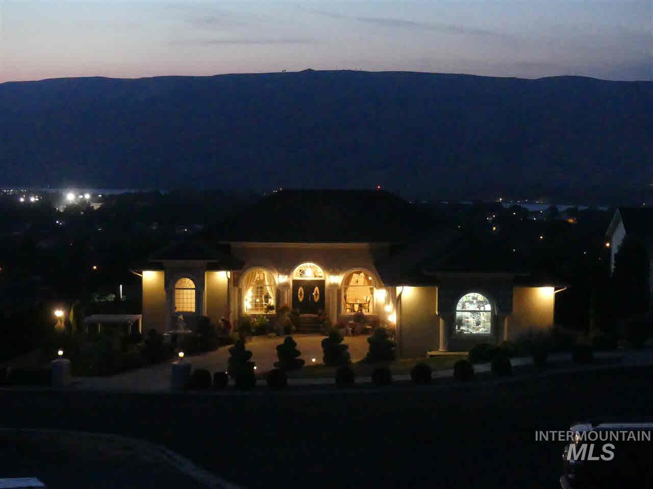 1531 24th Ave, Lewiston, Idaho 83501, 6 Bedrooms, 4 Bathrooms, Residential For Sale, Price $629,000, 98775808