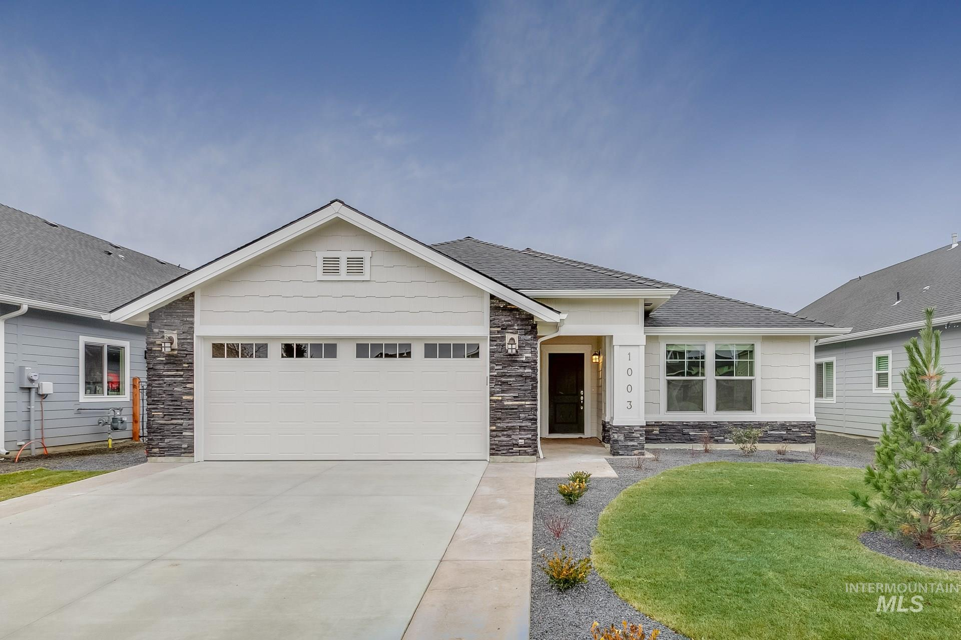 Want to tour this home NOW? Get on-demand access with TOUR NOW. Simply visit the home, follow the directions to access, and tour instantly.   The Bennett 1694 is a single level dream home just waiting for you! Enjoy a spacious living room, dining and kitchen or spill out onto your large back patio. Price includes stainless steel appliances, granite kitchen counter, dual vanity, engineered vinyl plank flooring,  and more. Photos similar. RCE-923.