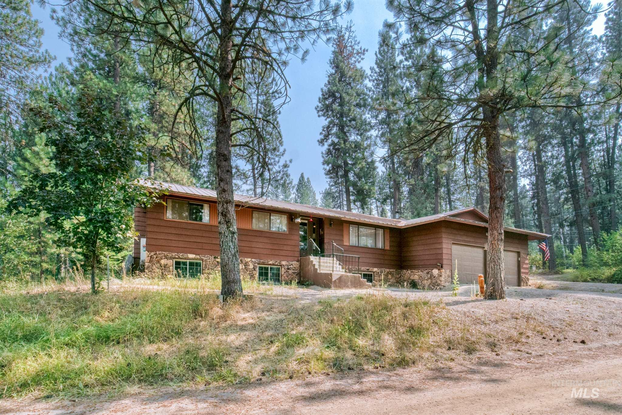 1 Happy Hollow, Garden Valley, Idaho 83622, 4 Bedrooms, 3 Bathrooms, Residential For Sale, Price $535,000, 98777349