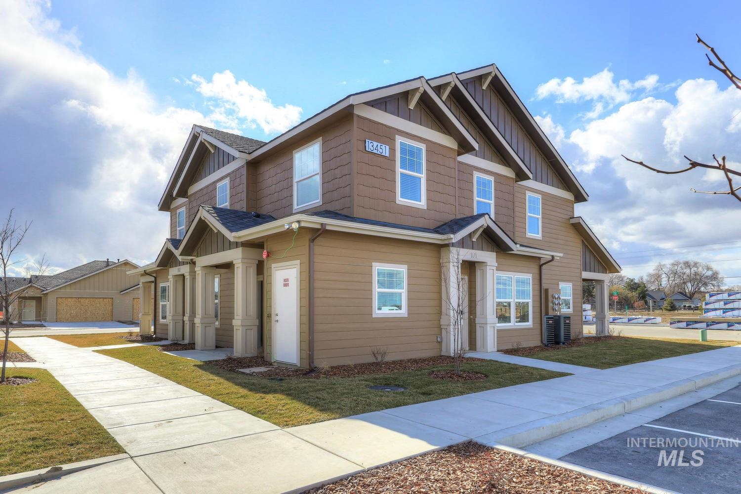 13449 Cedar Hollow Lane, Caldwell, Idaho 83607, 3 Bedrooms, 2.5 Bathrooms, Rental For Rent, Price $1,425, 98780502
