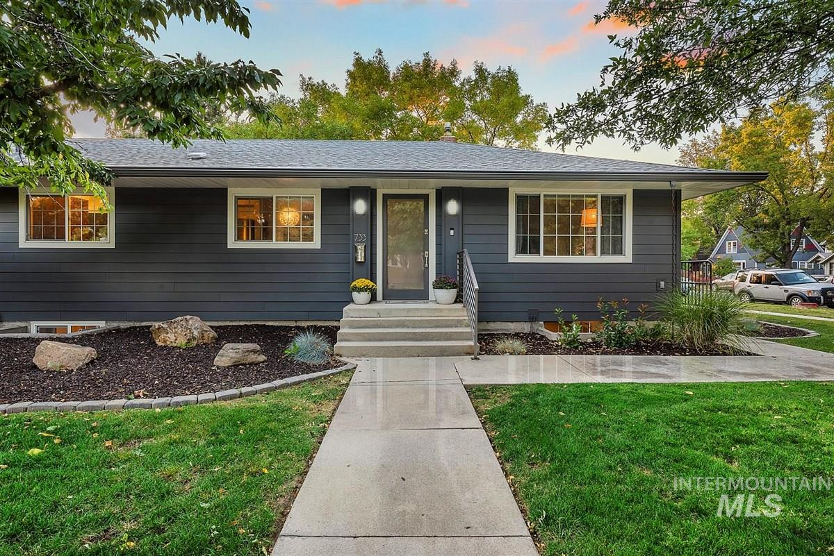 733 N 14th St, Boise, Idaho 83702, 2 Bedrooms, 1.5 Bathrooms, Residential Income For Sale, Price $759,900, 98780514