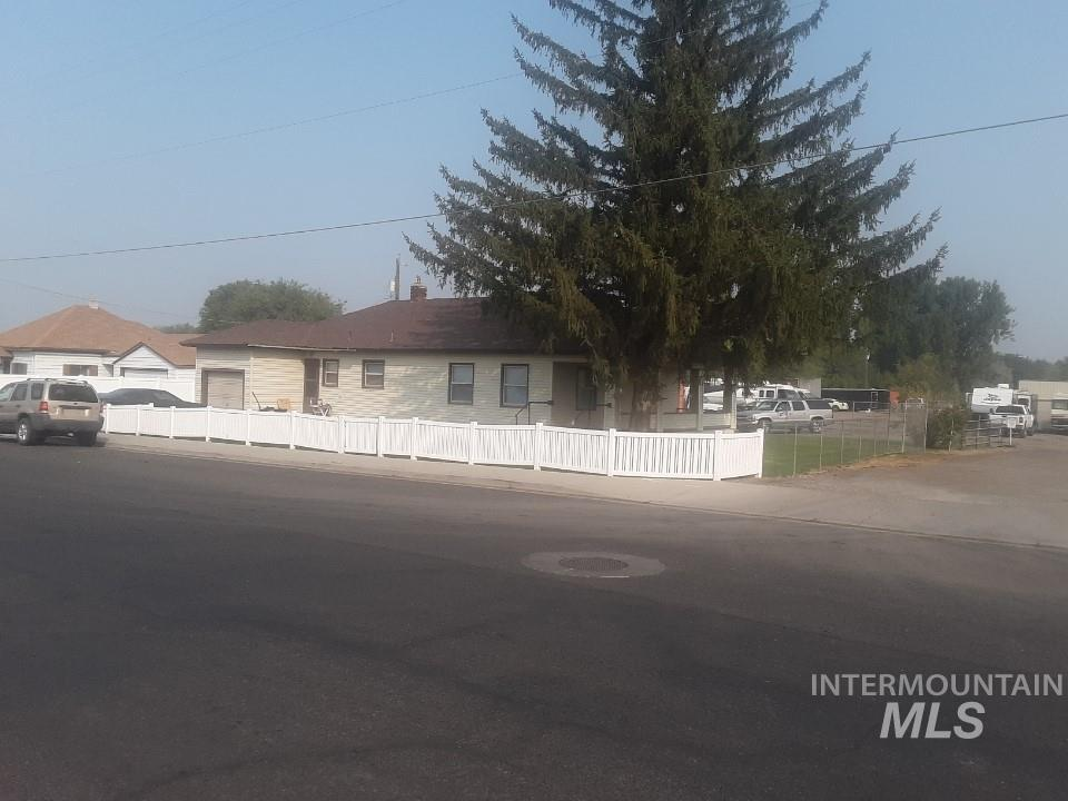 2085 4th Ave East, Twin Falls, Idaho 83301, 3 Bedrooms, 1 Bathroom, Residential Income For Sale, Price $899,900, 98781036
