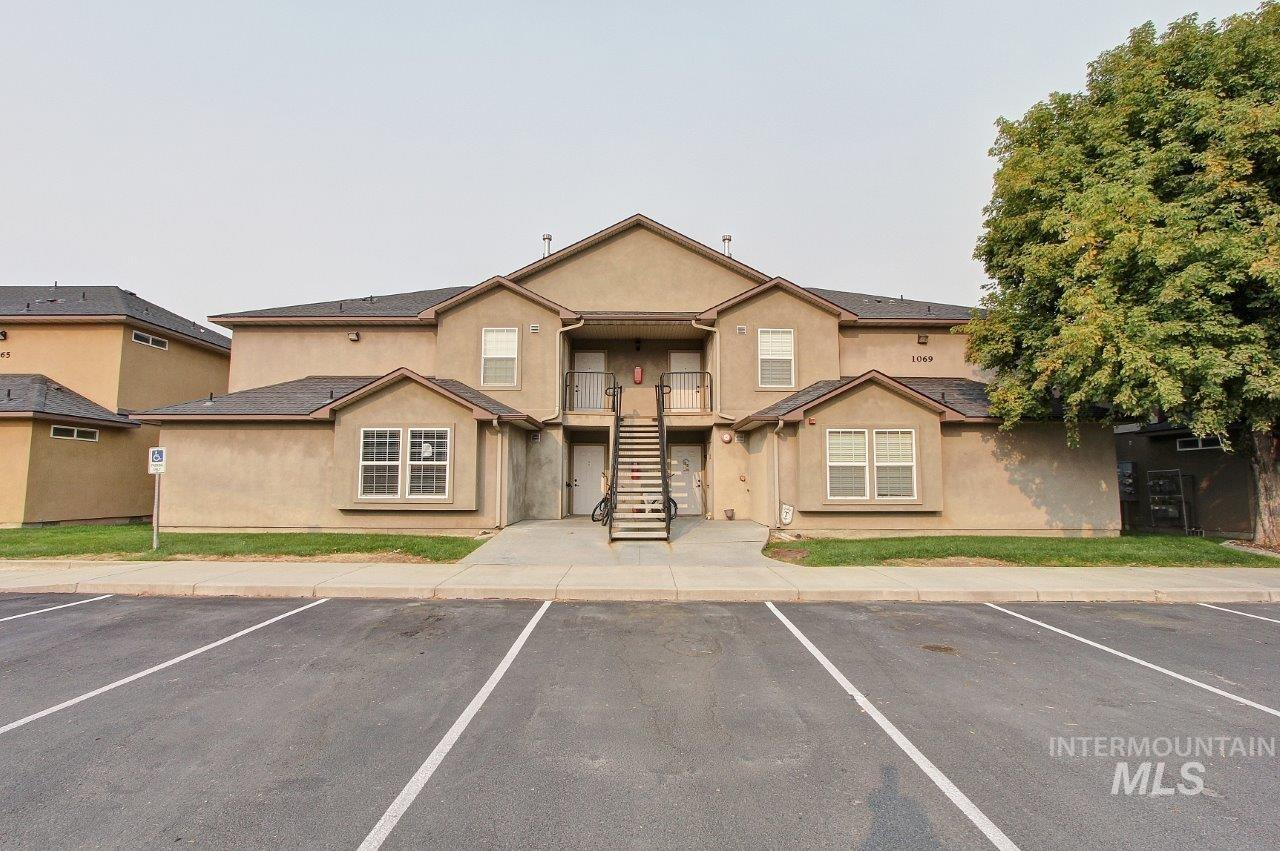 1069 W Pine Ave, Meridian, Idaho 83642, 3 Bedrooms, 2 Bathrooms, Residential Income For Sale, Price $759,000, 98781185