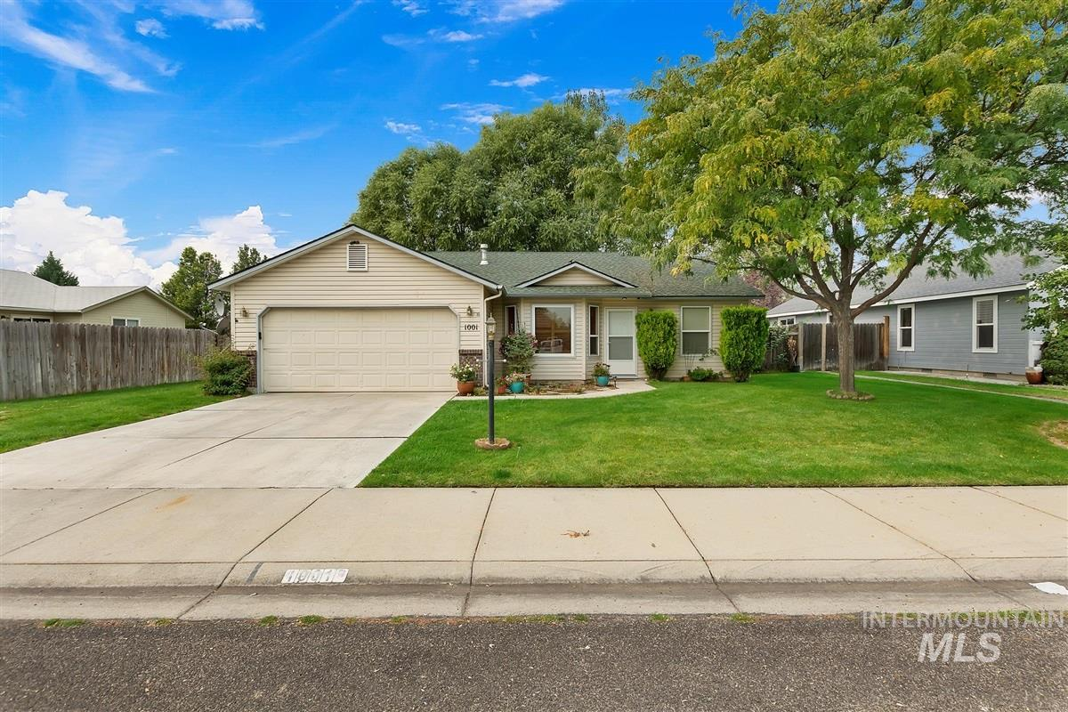 1001 S. Muscovy Ave., Meridian, Idaho 83642, 3 Bedrooms, 2 Bathrooms, Residential For Sale, Price $299,900, 98781432