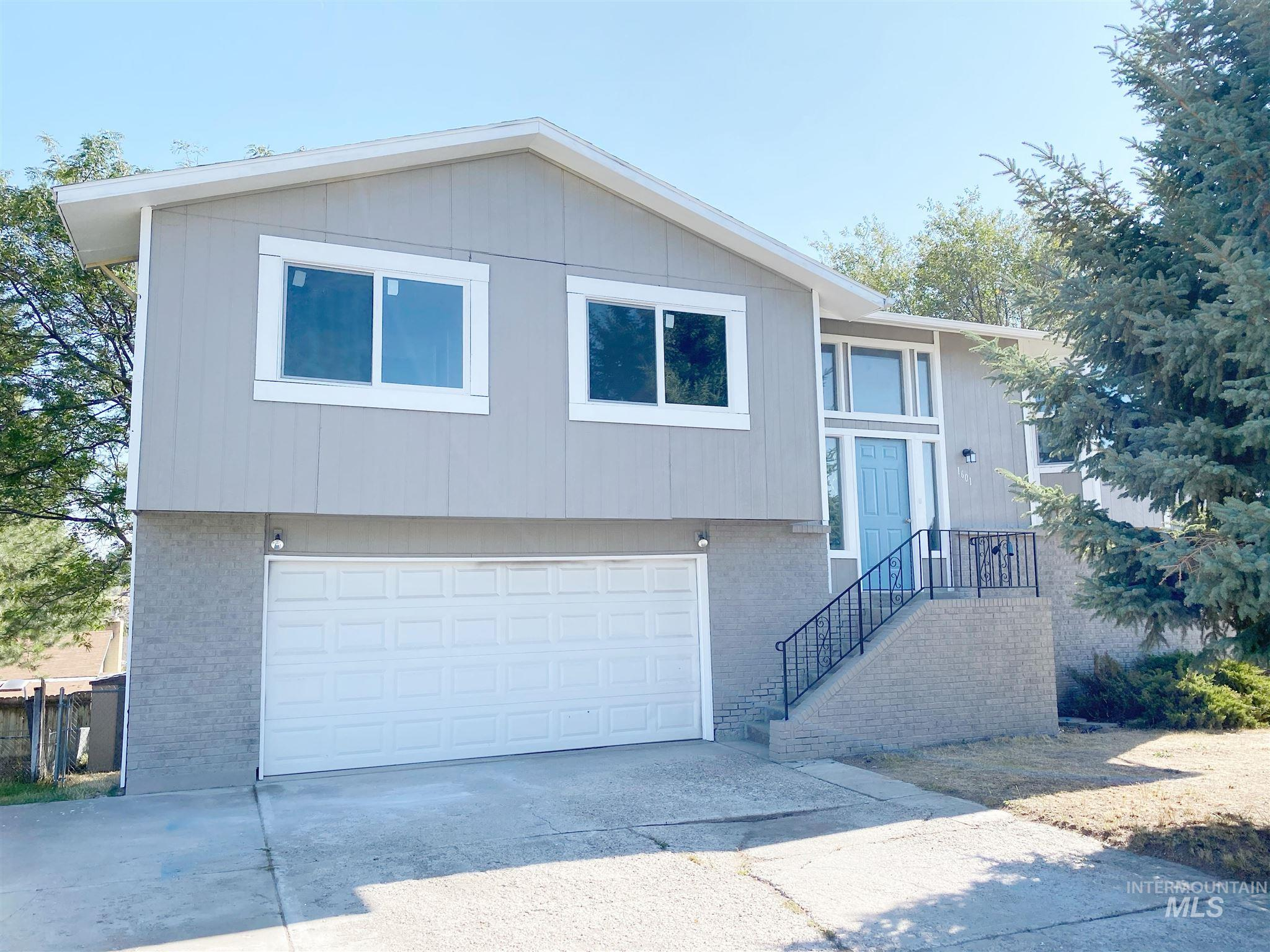 1601 S Von Elm St, Pocatello, Idaho 83201, 4 Bedrooms, 3 Bathrooms, Residential For Sale, Price $240,000, 98781564