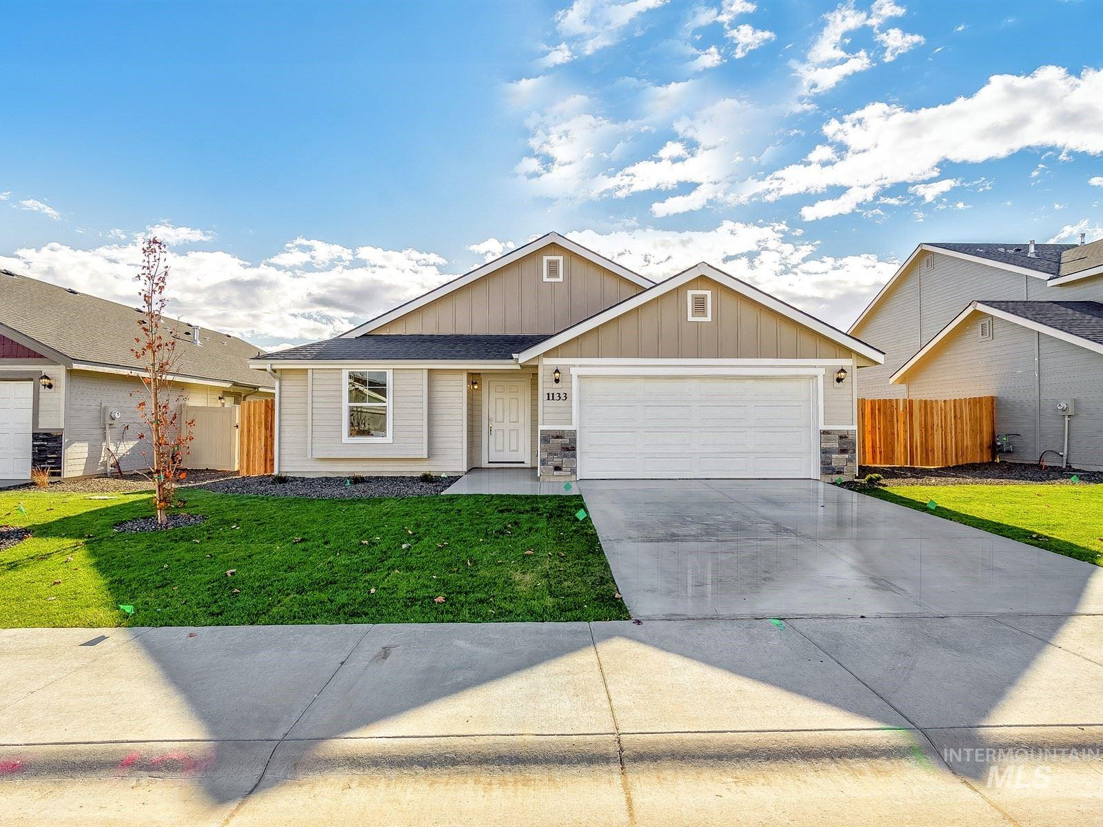 3042 N Cherry Grove Way, Star, Idaho 83669, 3 Bedrooms, 2 Bathrooms, Residential For Sale, Price $364,990, 98781579