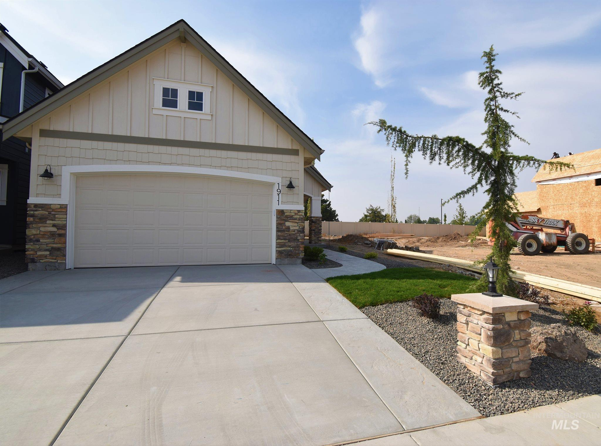 1911 E Presidential Drive, Meridian, Idaho 83642, 3 Bedrooms, 2.5 Bathrooms, Rental For Rent, Price $2,150, 98782127