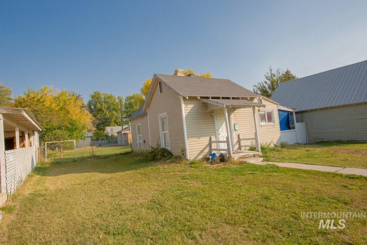 910 2nd St, Rupert, Idaho 83350, 1 Bedroom, 1 Bathroom, Residential For Sale, Price $75,000, 98784039