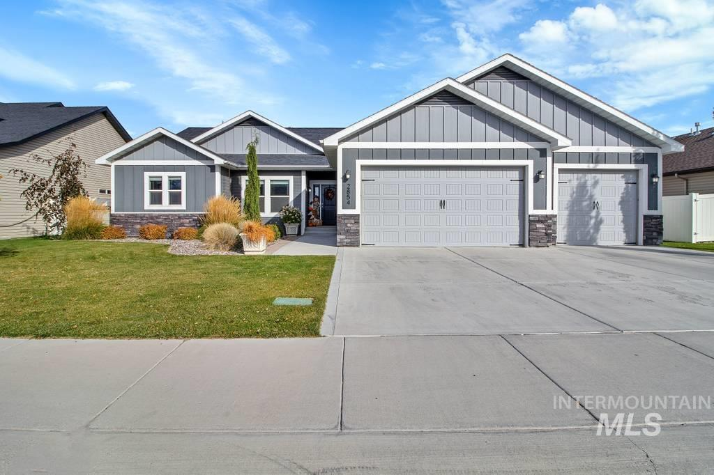 2854 Sunray Loop, Twin Falls, Idaho 83301, 4 Bedrooms, 2.5 Bathrooms, Residential For Sale, Price $415,000, 98784639