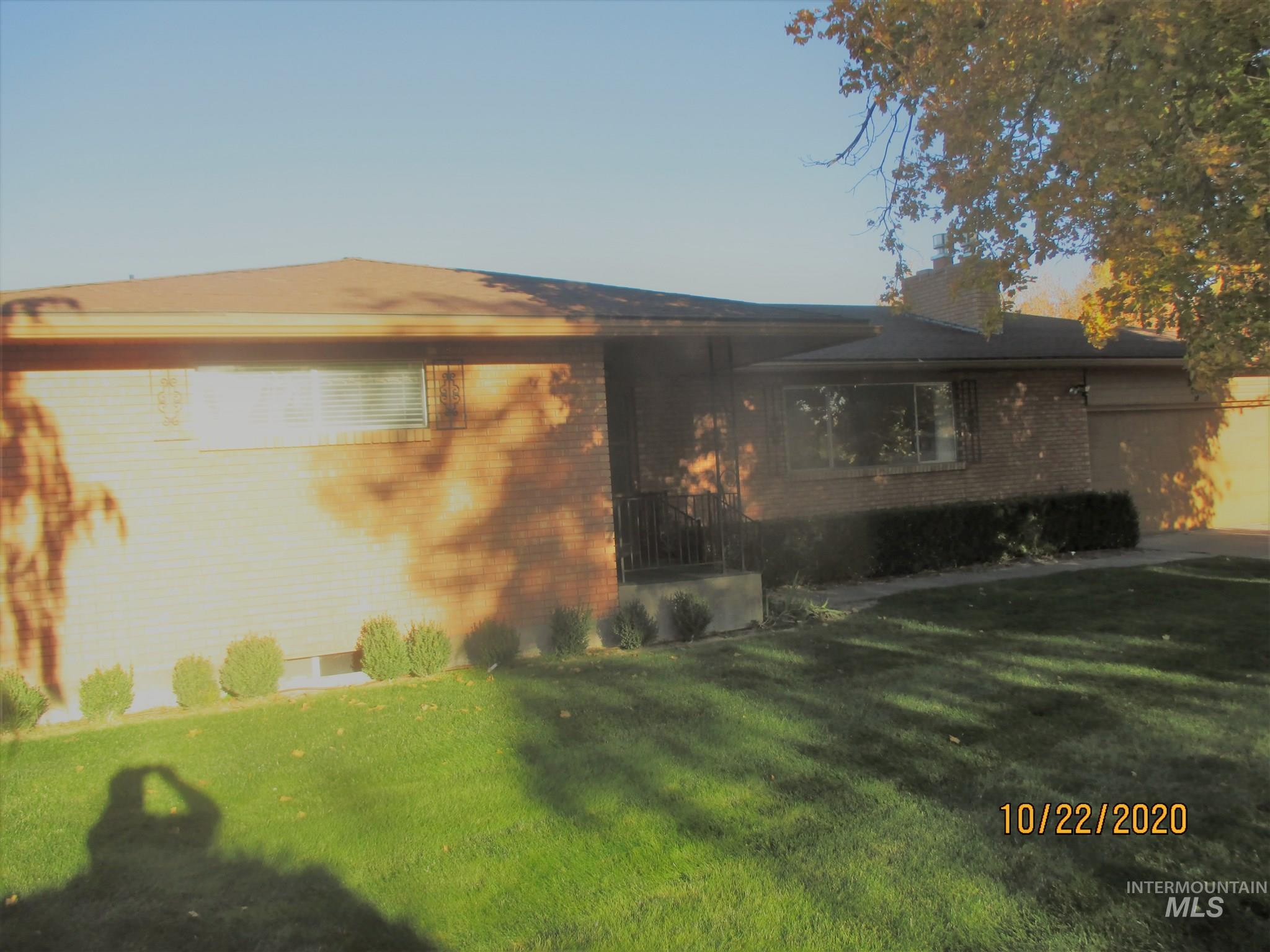 569 Butte Drive, Twin Falls, Idaho 83301, 3 Bedrooms, 2 Bathrooms, Residential For Sale, Price $285,000, 98784689