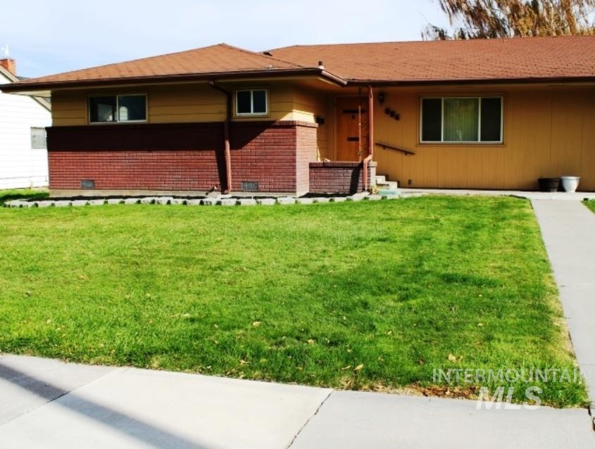 604 Broadway Ave. N, Buhl, Idaho 83316, 2 Bedrooms, 2 Bathrooms, Residential For Sale, Price $189,900, 98784702