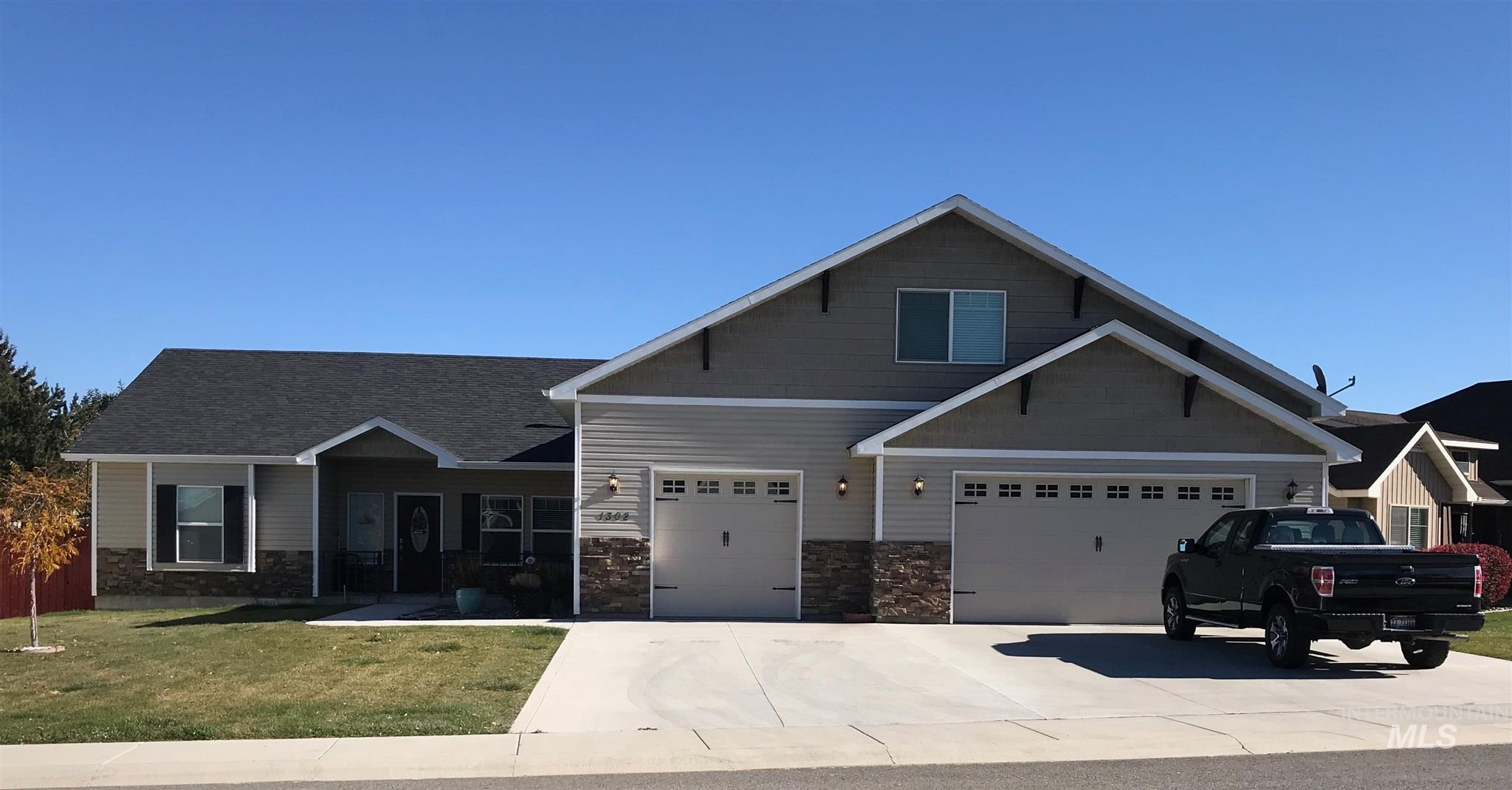 1302 5th Ave East, Jerome, Idaho 83338, 3 Bedrooms, 2.5 Bathrooms, Residential For Sale, Price $300,000, 98785154